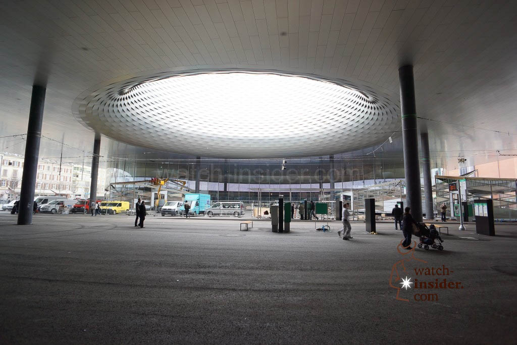 The tram has left ... Now you see the main entrance to the Baselworld - the World Watch and Jewellery Show