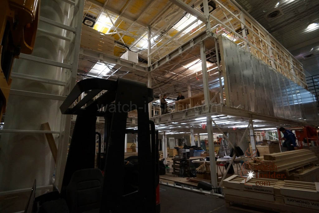 Raymond Weil building a brand new three story booth.