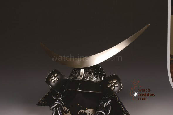 The crescent moon on the watch dial is inspired by the helmet worn by Masamune Date, the 17th century daimyo.