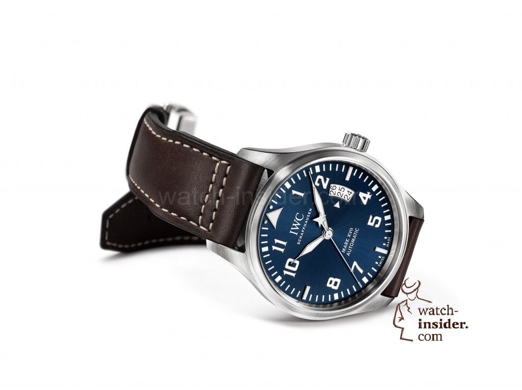 In both form and function, the Pilot's Watch Mark XVII Edition ''Le Petit Prince'' (here in stainless steel, Ref. IW326506) closely follows the classic Pilot's Watches from IWC Schaffhausen. With this special edition, limited to 1,000 pieces, the Swiss watch manufacturer is celebrating the 70th anniversary of the popular story ''The Little Prince'', written by Antoine de Saint-Exupery.
