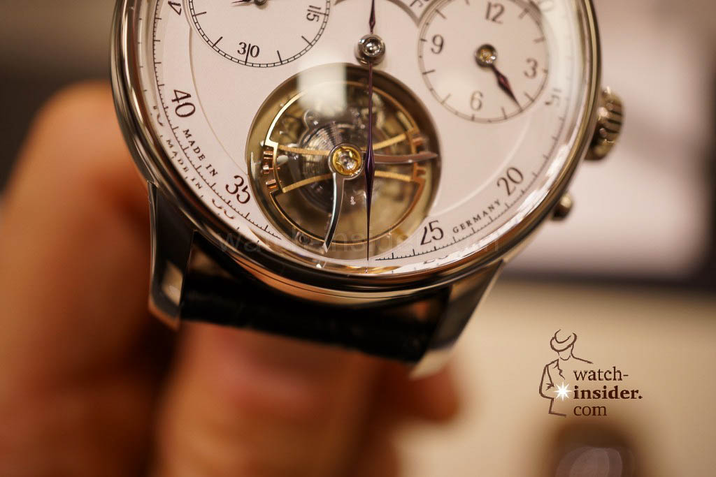 Moritz Grossmann Benu Tourbillon. The dual minute display with an extension of the minute hand