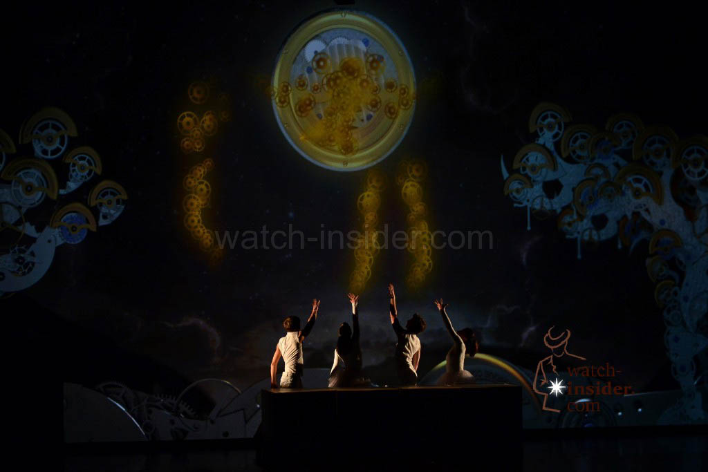 A perfectly arranged, thematic dance performance