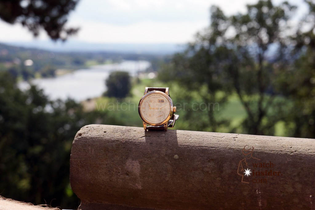 The Lange 1 posing at the Eckberg Castle. In the background you see the Blue Wonder Bridge.