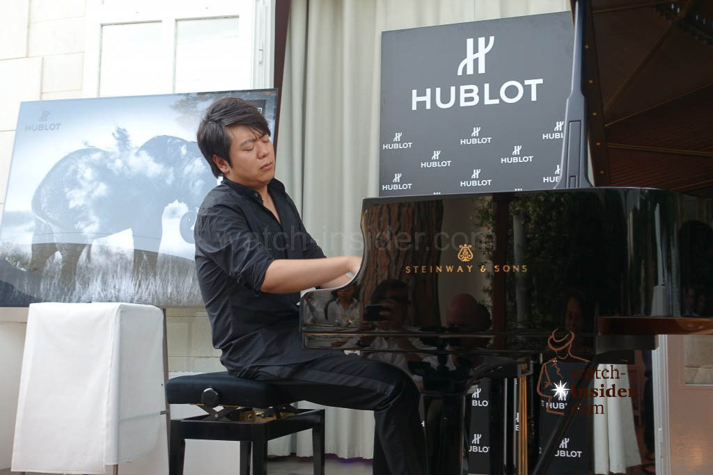 Lang Lang playing his Steinway & Sons ...
