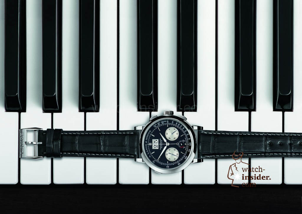 Ebony and ivory: The DATOGRAPH UP/DOWN harmonises with the black-and-white rapport of the piano keyboard