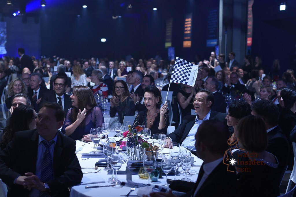 As part of the ninth Laureus Charity Night yesterday evening, 600 prominent figures from the worlds of sport, business, politics and show business collected donations totalling 1.1 Million Swiss francs.