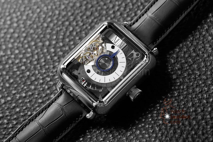 Swiss_Alp_Watch_Minute_Retrograde